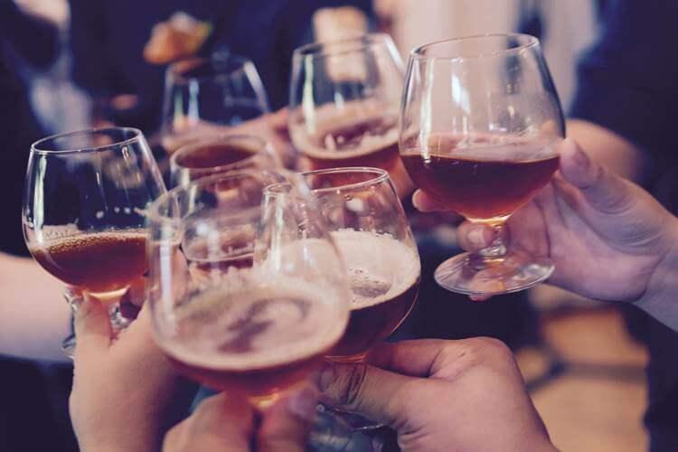 Nazdravljanje sa pićem